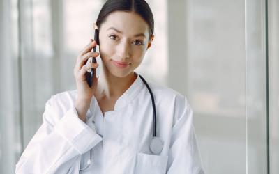 Des solutions alternatives à Doctolib, plus complètes, existent pour les professionnels de santé
